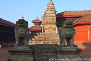 2014.12.15-Bhaktapur-02-Durbar-Square-from-west-ResizeBy-Donna-Yates-CC-BY-NC-SA1
